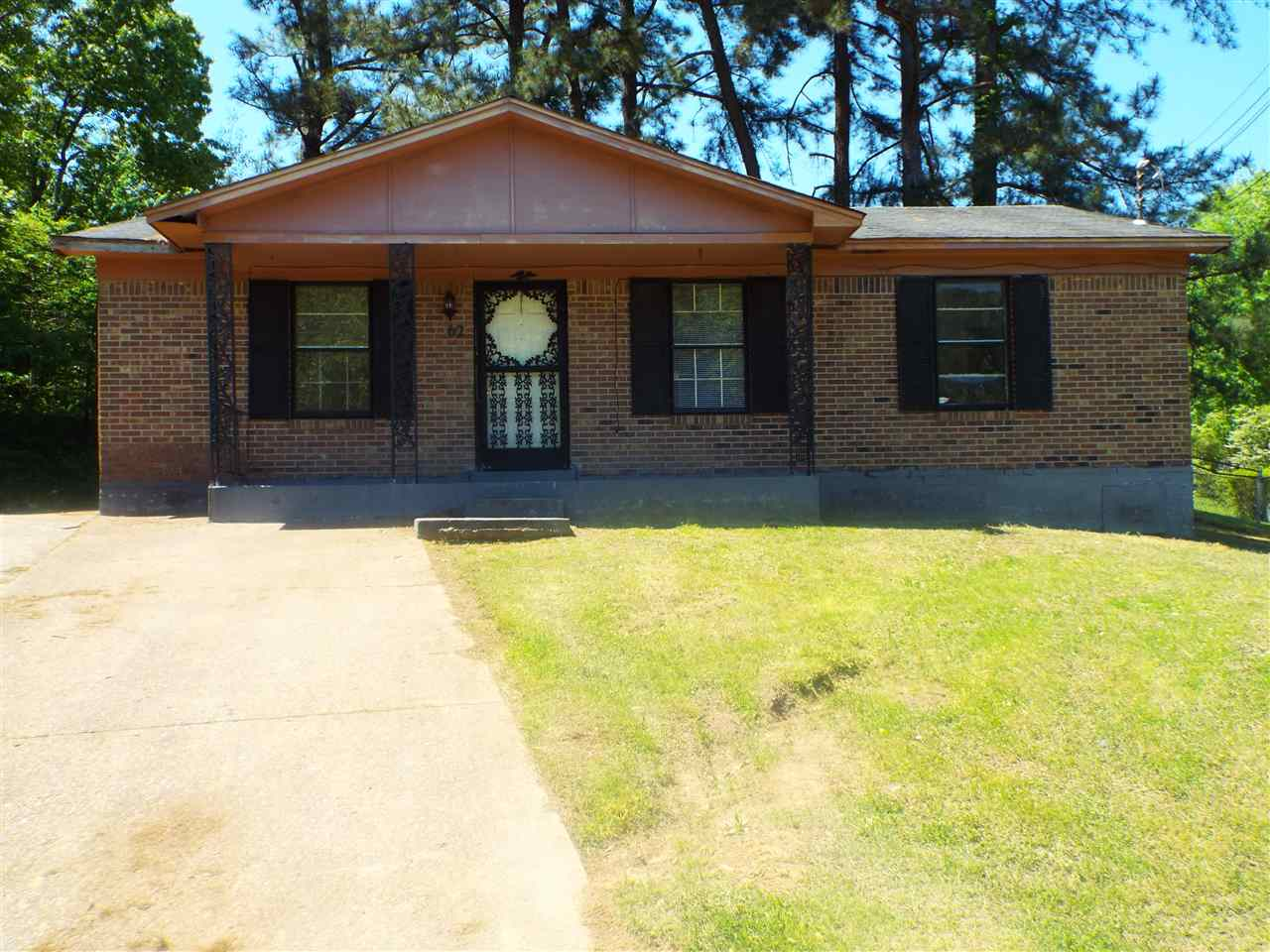 38305 4 Bedroom Home For Sale