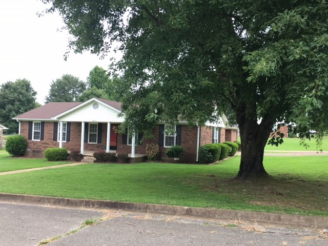 51 Lynnwood Ave. - Lexington, TN