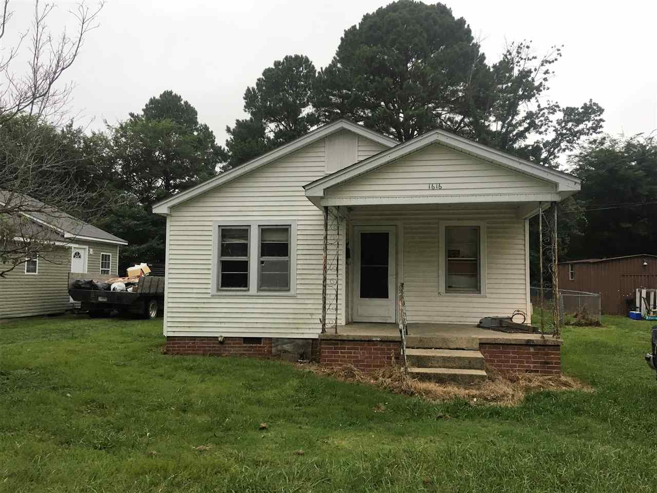 1616 Shelby Dr,Dyersburg,Tennessee 38024,2 Bedrooms Bedrooms,1 BathroomBathrooms,Residential,1616 Shelby Dr,179083