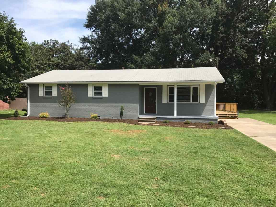 2045 Crossgate Road,Dyersburg,Tennessee 38024,3 Bedrooms Bedrooms,2 BathroomsBathrooms,Residential,2045 Crossgate Road,179213