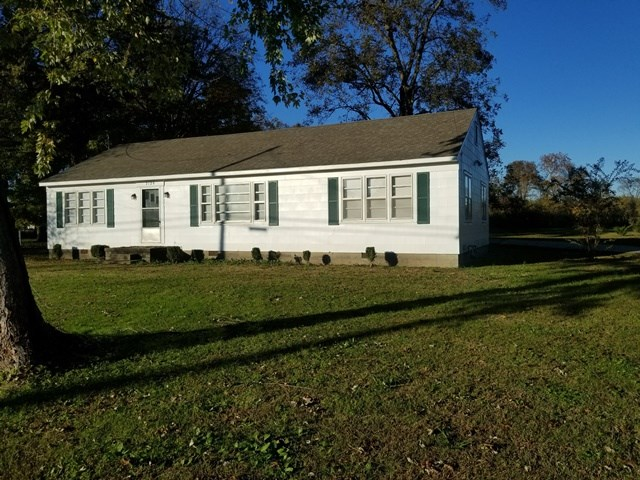 2120 Upper Finley Road,Dyersburg,Tennessee 38024,3 Bedrooms Bedrooms,1 BathroomBathrooms,Residential,2120 Upper Finley Road,179591