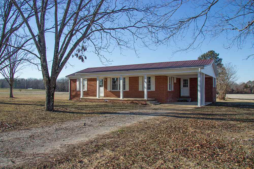 639 Oliver Road,Palmersvile,Tennessee 38241,3 Bedrooms Bedrooms,1 BathroomBathrooms,Residential,639 Oliver Road,181047