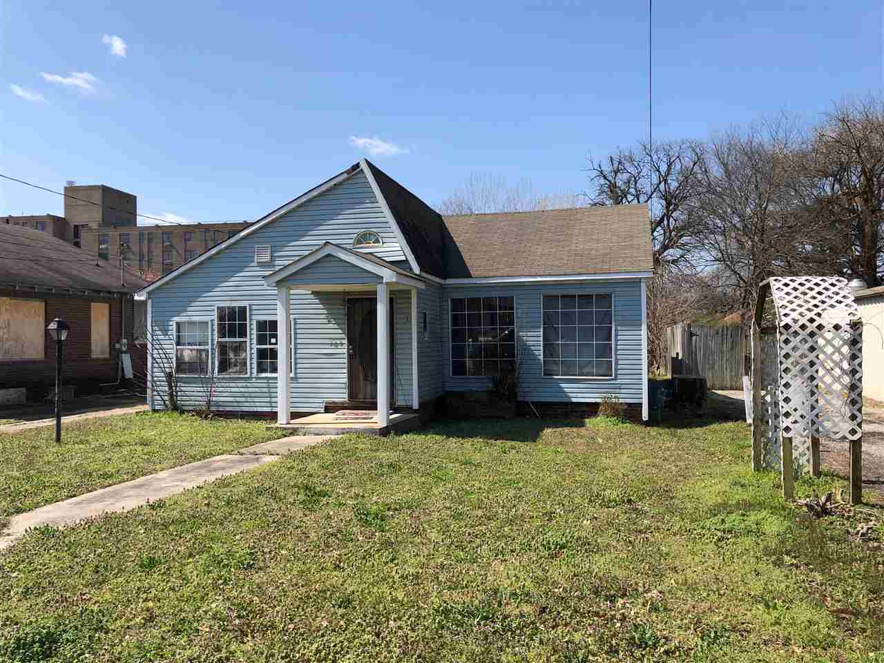 125 McCorry Street,Jackson,Tennessee 38301,2 Bedrooms Bedrooms,1 BathroomBathrooms,Residential,125 McCorry Street,181804