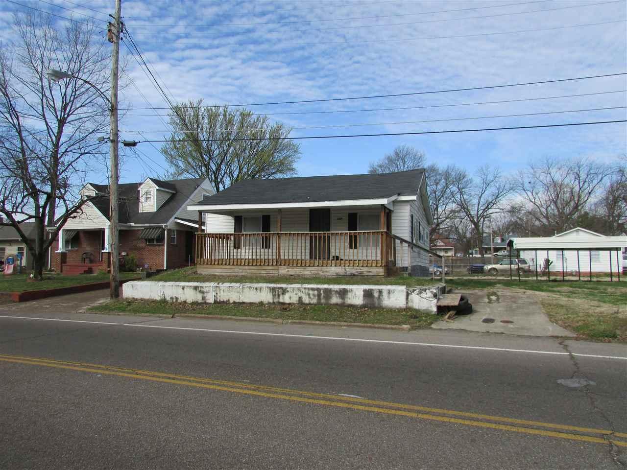 131 Whitehall Street,Jackson,Tennessee 38305,3 Bedrooms Bedrooms,2 BathroomsBathrooms,Residential,131 Whitehall Street,181896