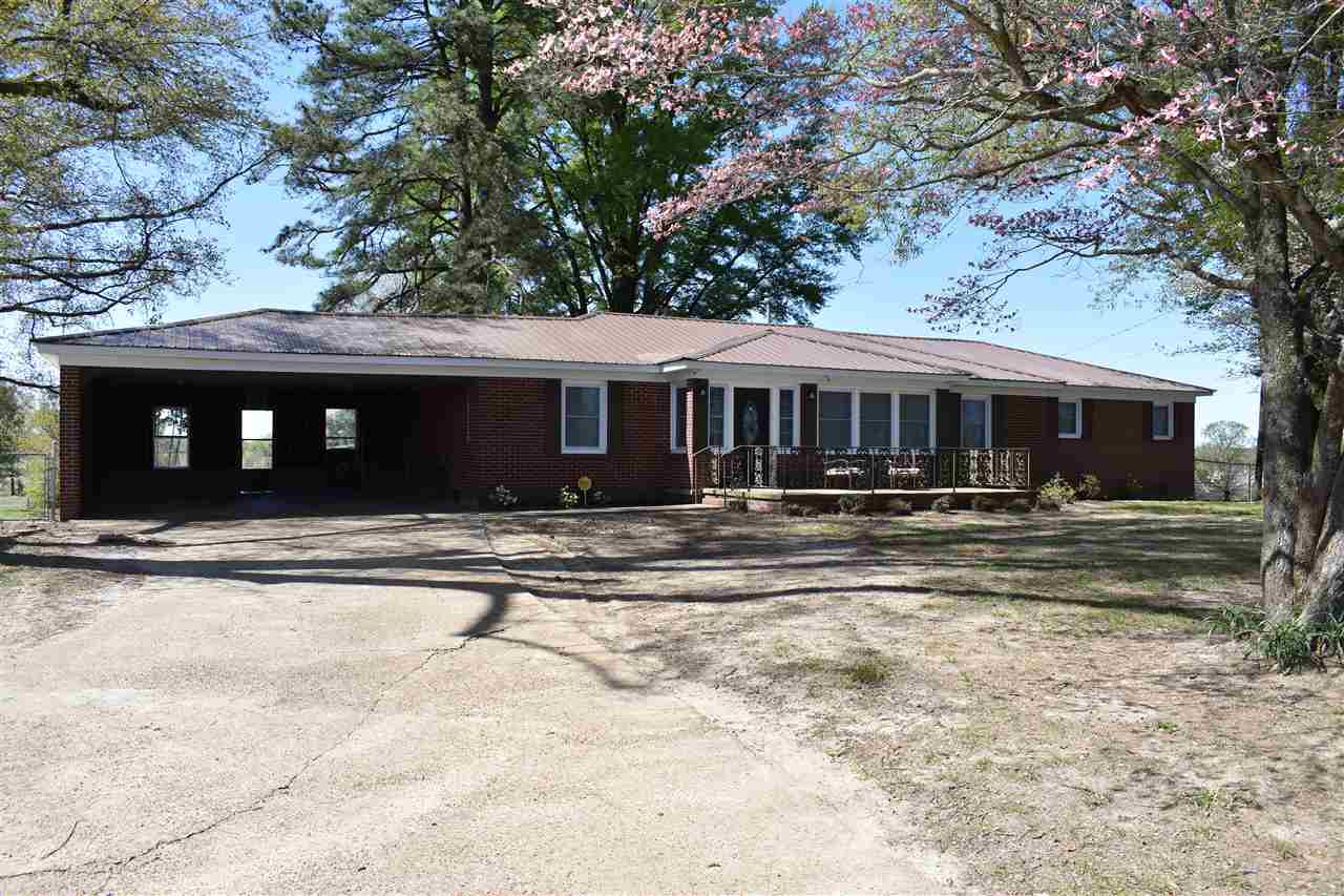 3157 Old Hwy 20,Dyersburg,Tennessee 38024,3 Bedrooms Bedrooms,2 BathroomsBathrooms,Residential,3157 Old Hwy 20,182439