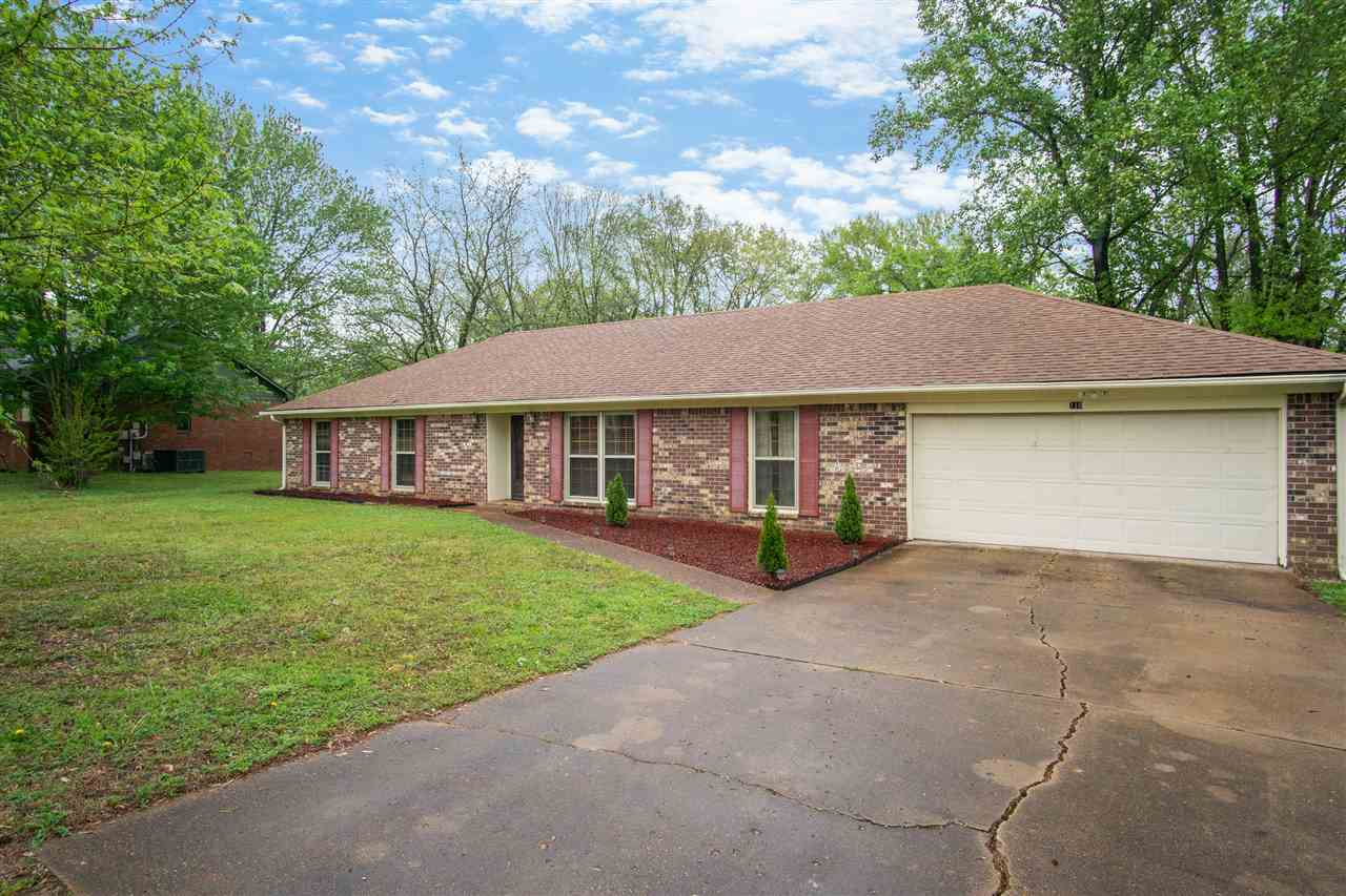 110 Commanche Trail,Jackson,Tennessee 38305,3 Bedrooms Bedrooms,2 BathroomsBathrooms,Residential,110 Commanche Trail,182927