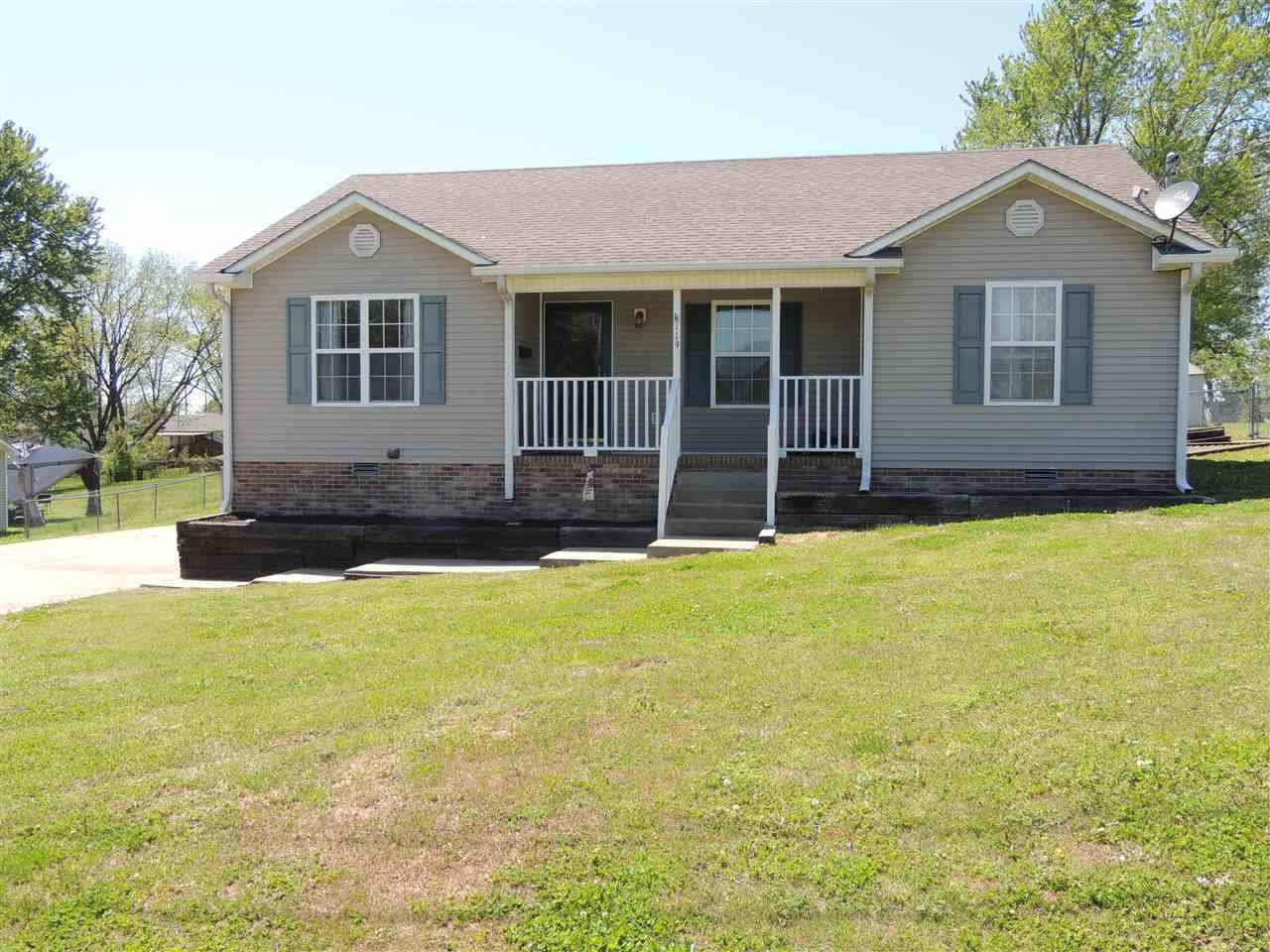 119 East Drive,Newbern,Tennessee 38059,3 Bedrooms Bedrooms,2 BathroomsBathrooms,Residential,119 East Drive,182621