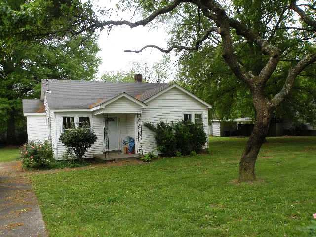 2204 Dawn Drive,Dyersburg,Tennessee 38024,2 Bedrooms Bedrooms,1 BathroomBathrooms,Residential,2204 Dawn Drive,182683