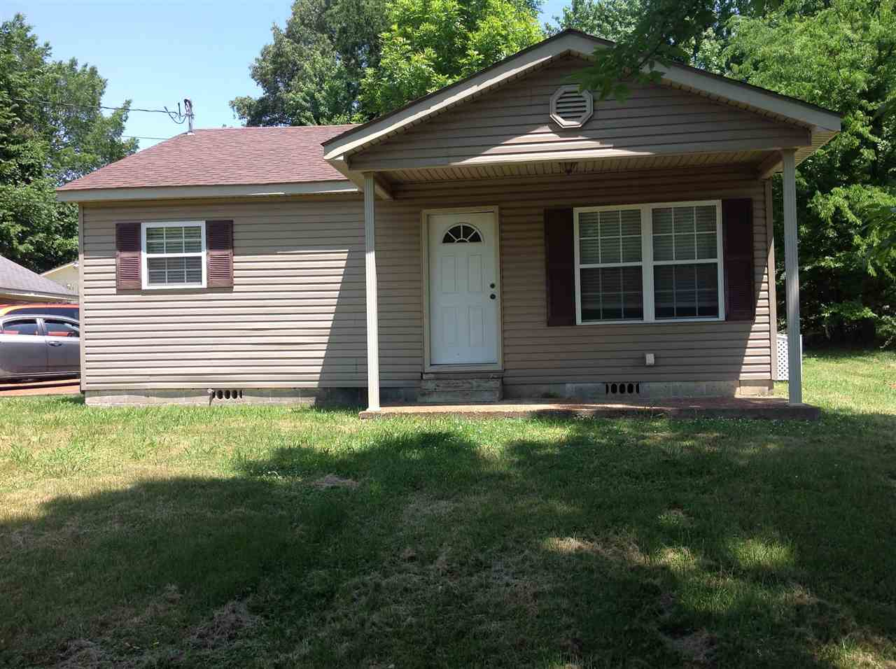 116 E Tickle Street,Dyersburg,Tennessee 38024,2 Bedrooms Bedrooms,1 BathroomBathrooms,Residential,116 E Tickle Street,182875