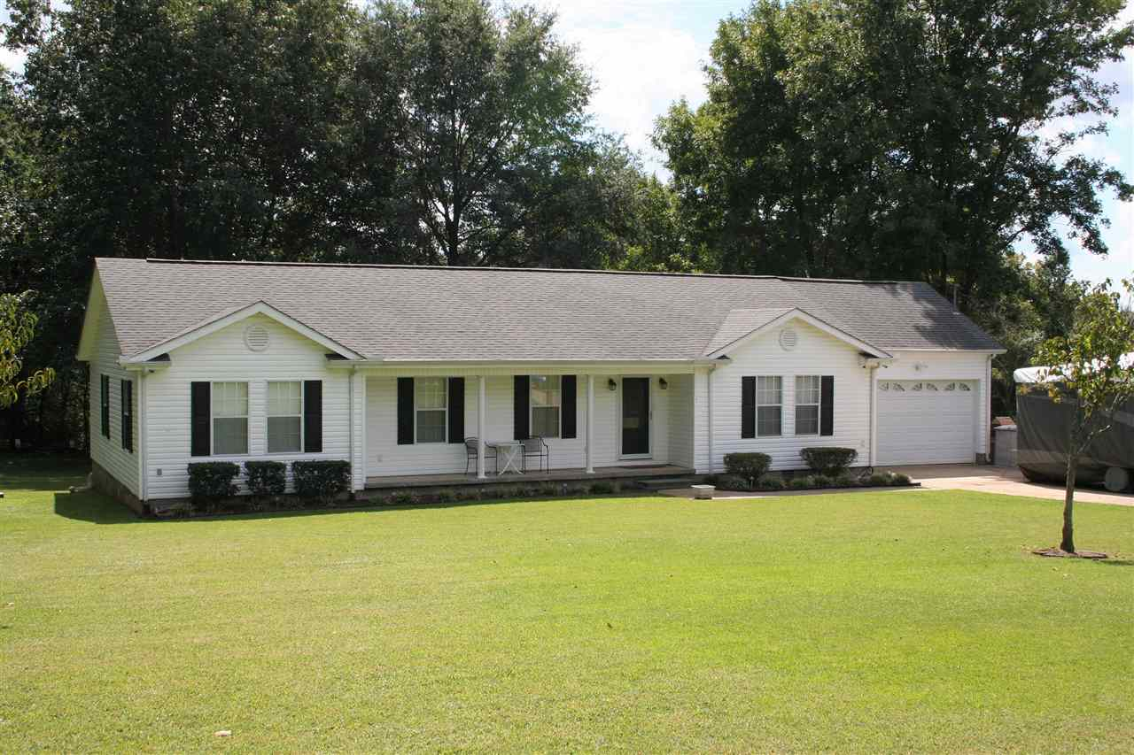 835 Revell Rd,Dyersburg,Tennessee 38024,3 Bedrooms Bedrooms,2 BathroomsBathrooms,Residential,835 Revell Rd,184876