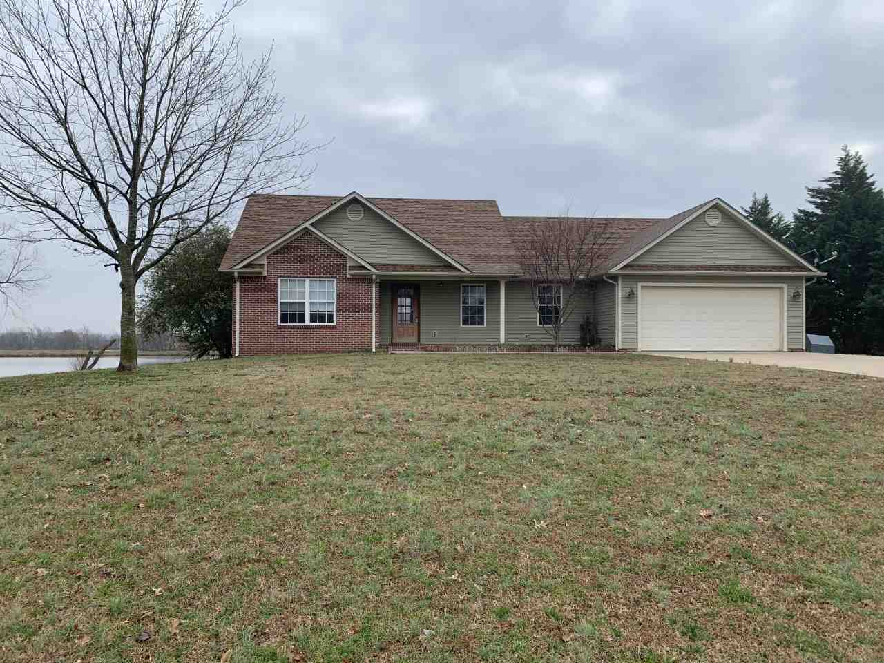 150 Polo Dr Drive,Dyersburg,Tennessee 38024,3 Bedrooms Bedrooms,2 BathroomsBathrooms,Residential,150 Polo Dr Drive,185832