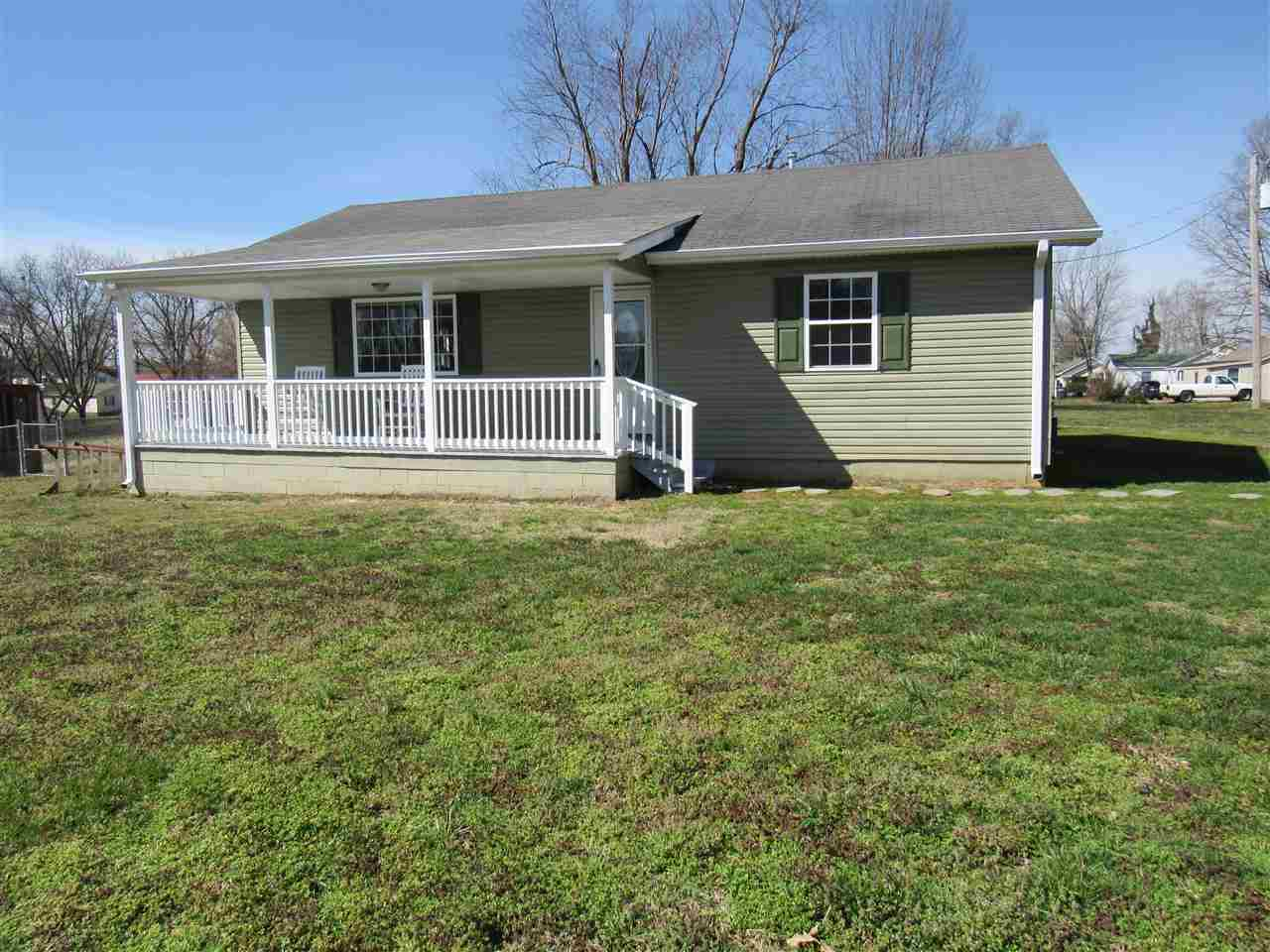 121 East Dr,Newbern,Tennessee 38059,3 Bedrooms Bedrooms,2 BathroomsBathrooms,Residential,121 East Dr,186585