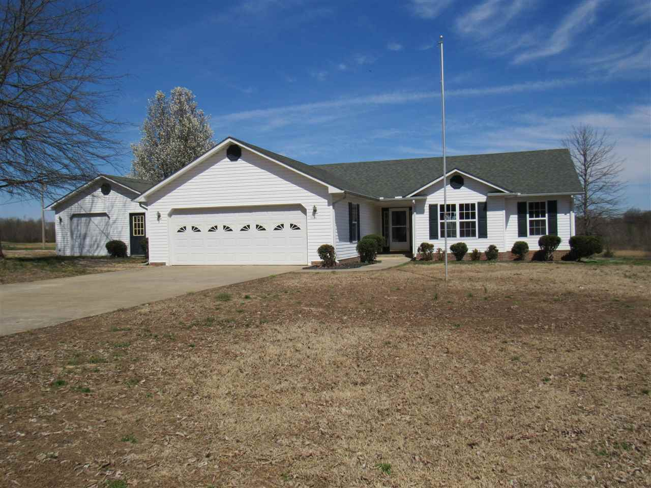 1560 Red Bell Rd,Newbern,Tennessee 38059,4 Bedrooms Bedrooms,3 BathroomsBathrooms,Residential,1560 Red Bell Rd,187090