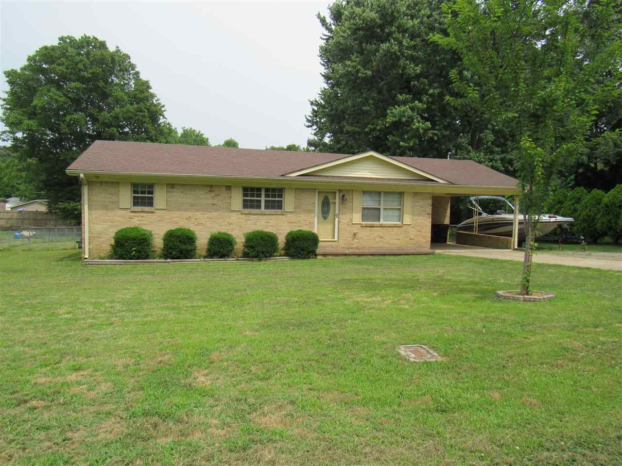 62 Rose Dr,Dyersburg,Tennessee 38024,3 Bedrooms Bedrooms,1 BathroomBathrooms,Residential,62 Rose Dr,188556
