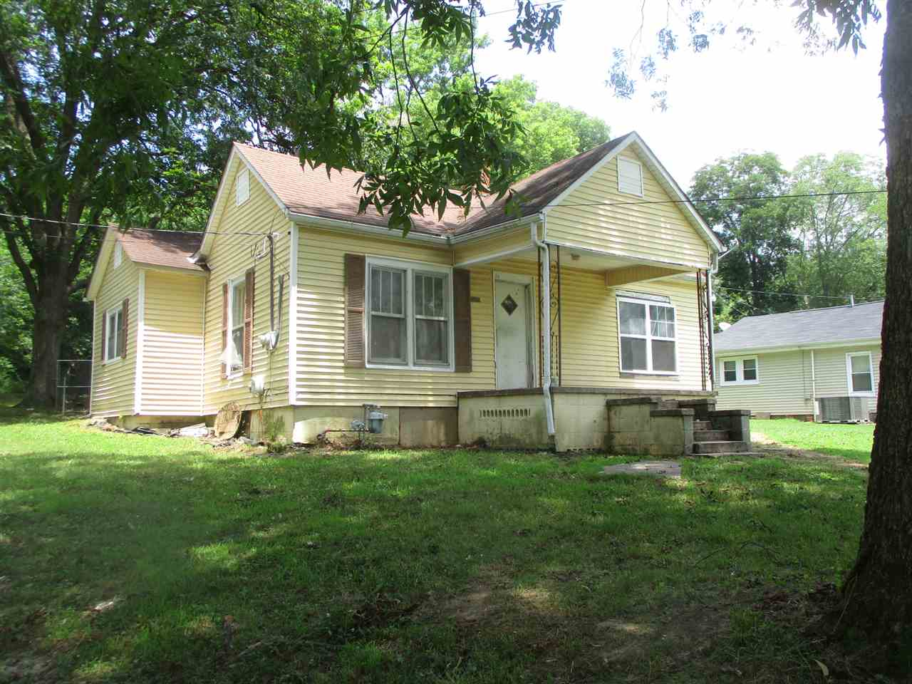 308 E Walnut,Dyer,Tennessee 38330,3 Bedrooms Bedrooms,1 BathroomBathrooms,Residential,308 E Walnut,189296
