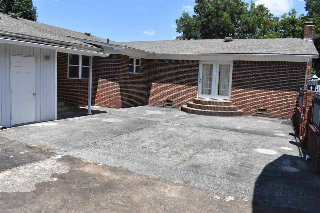 1820 Sam Houston Drive,Dyersburg,Tennessee 38024-2530,3 Bedrooms Bedrooms,1 BathroomBathrooms,Residential,1820 Sam Houston Drive,189460