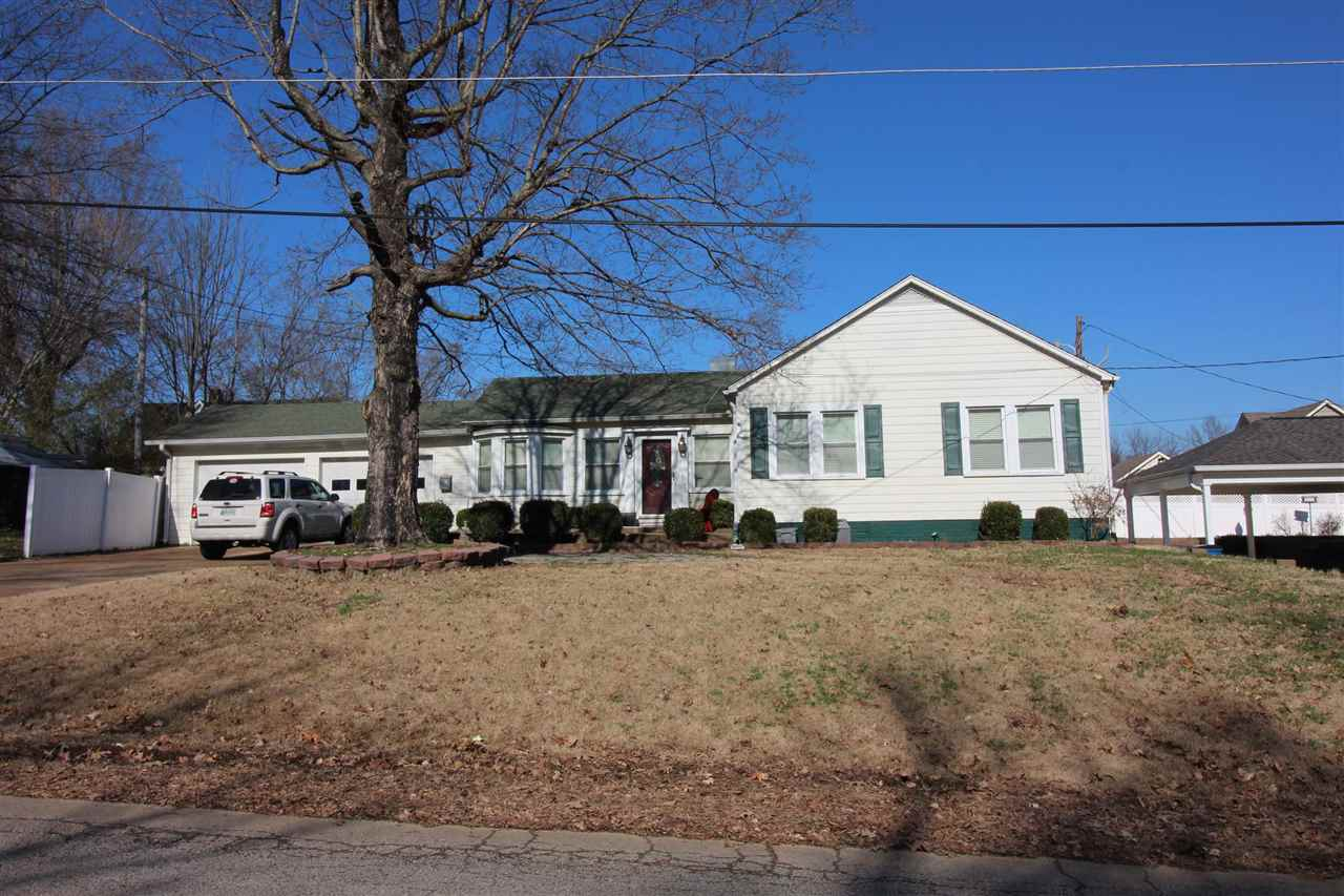 203 Lombardy Street, Trenton, Tennessee 38382, 3 Bedrooms Bedrooms, ,1 BathroomBathrooms,Residential,For Sale,203 Lombardy Street,201263