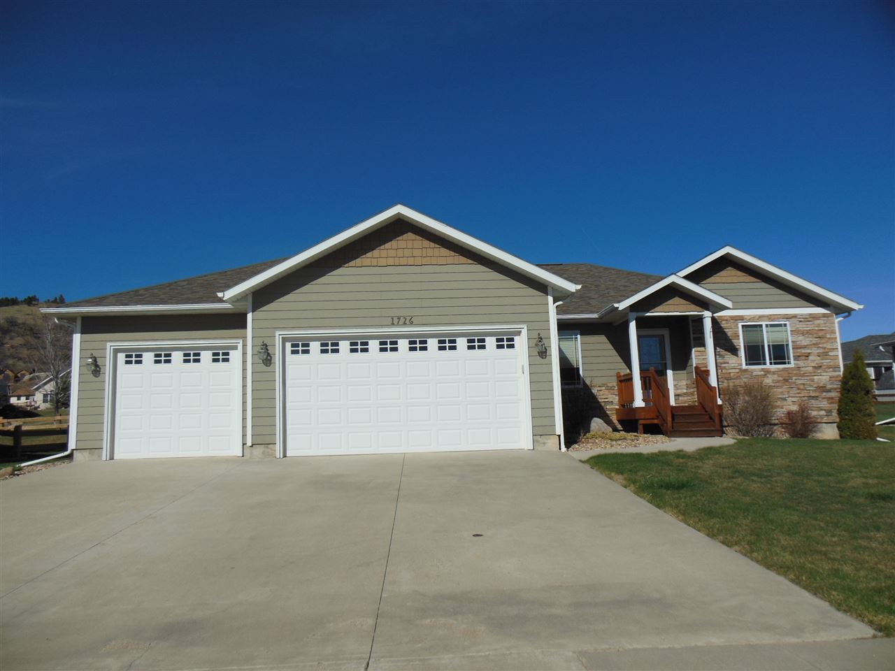 1726 Iron Horse Loop, Spearfish, SD 57783
