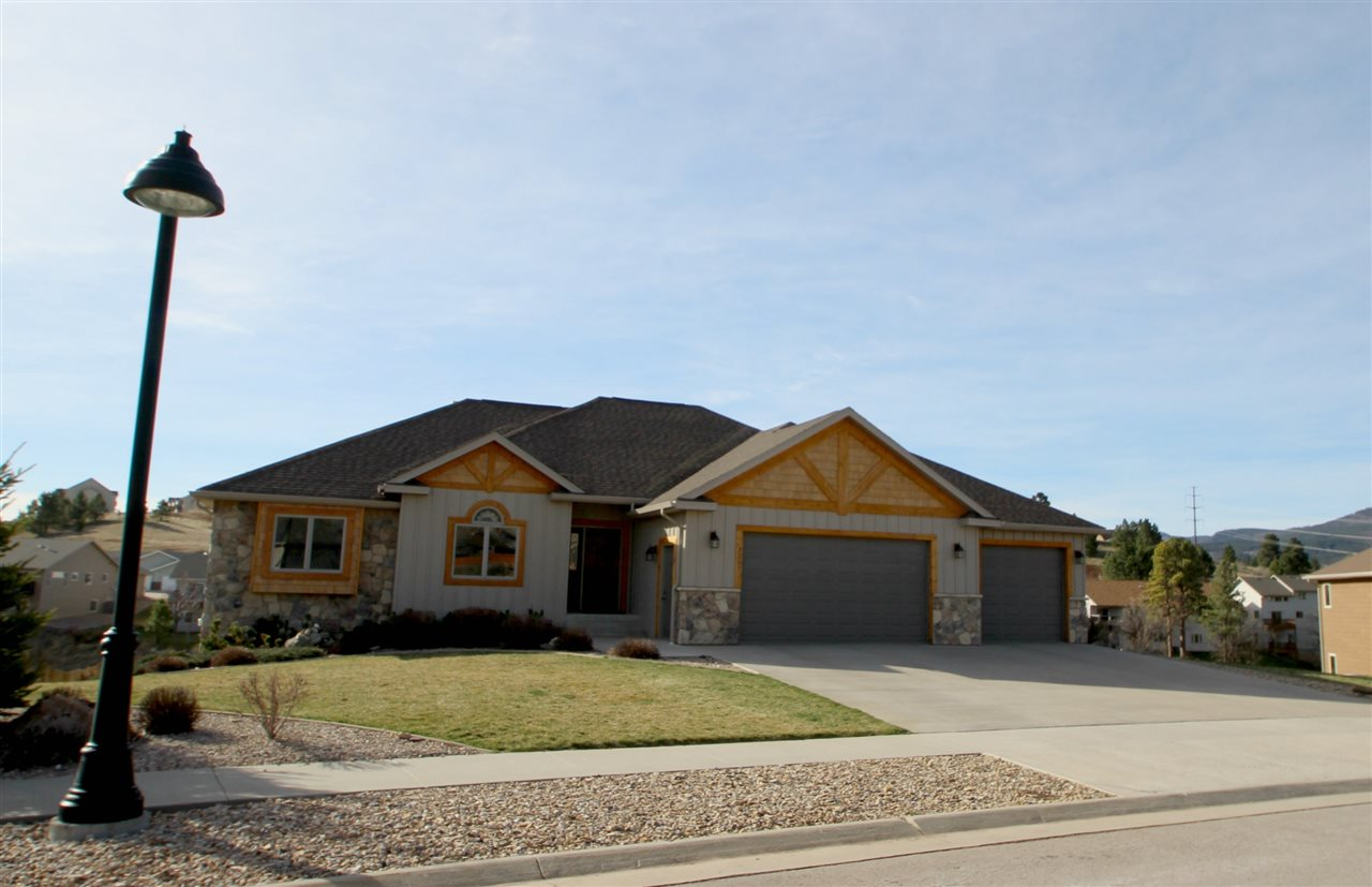 2203 Blue Bell Loop, Spearfish, SD 57783