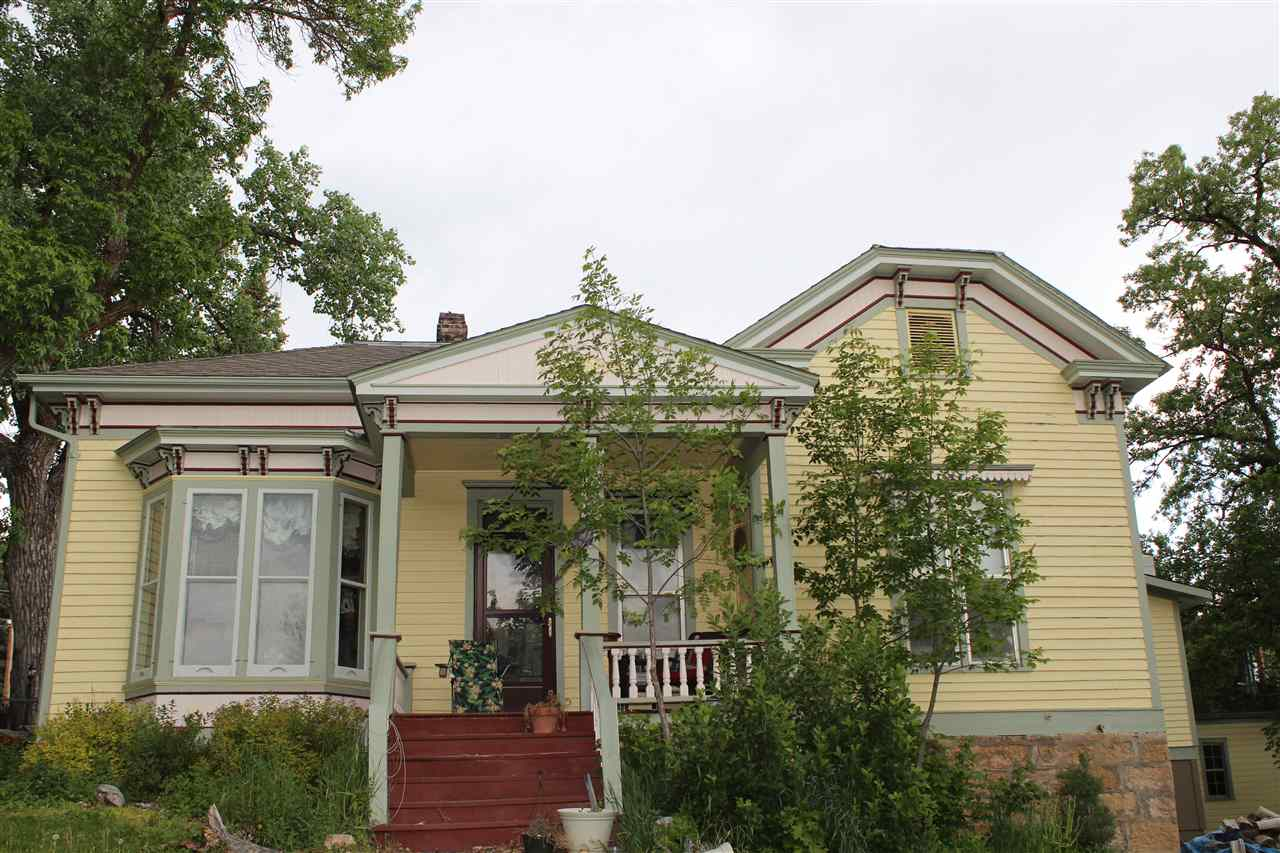 1218 Custer Street