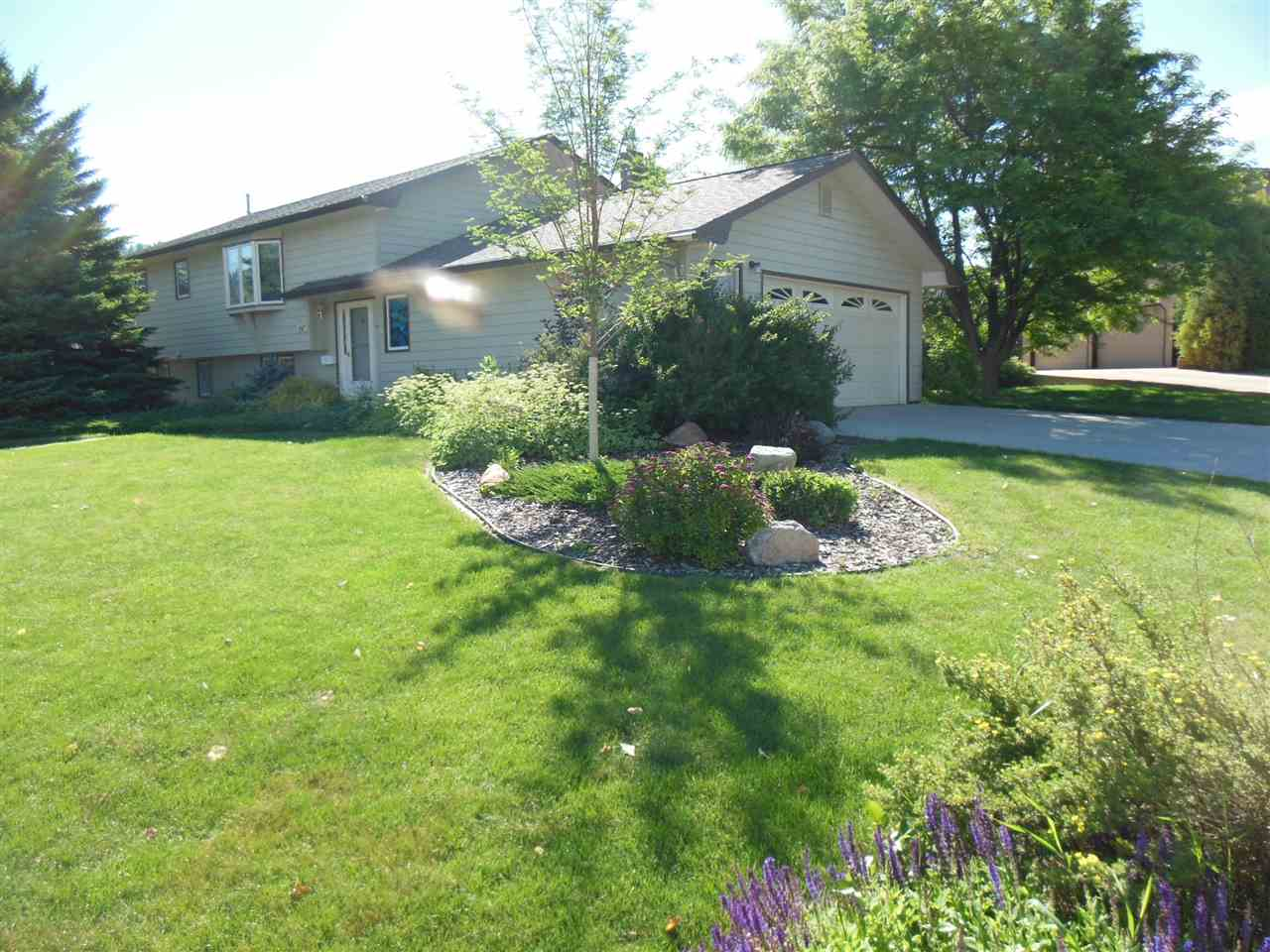 407 Oriole Dr, Spearfish, SD 57783