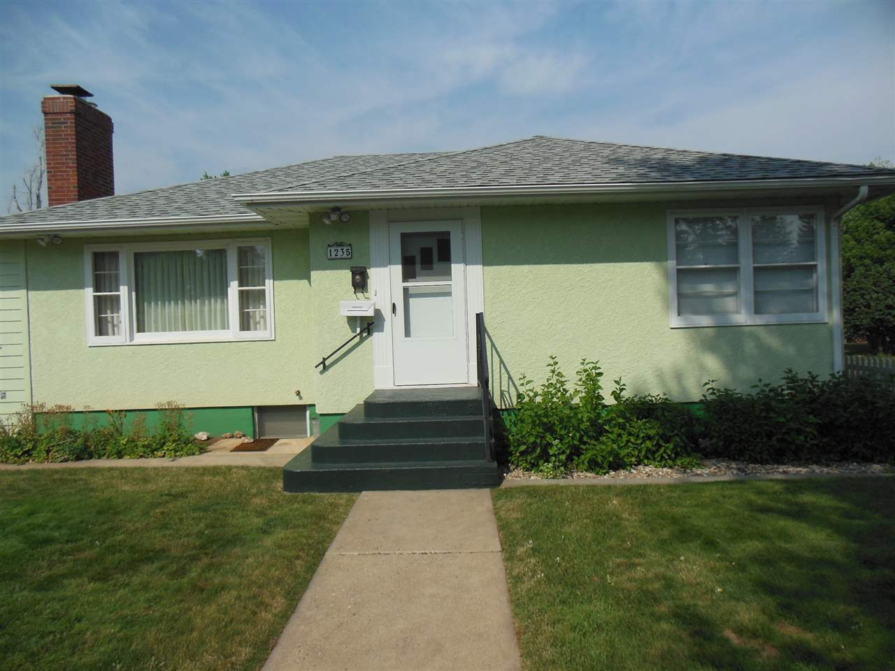 1235 N Canyon St, Spearfish, SD 57783