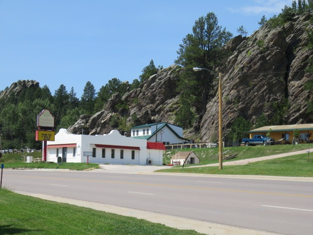 631 W. Mt. Rushmore Road