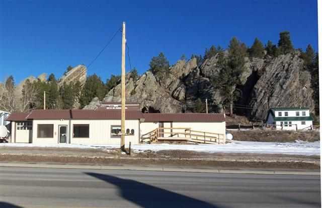 673-675 W Mt. Rushmore Rd.