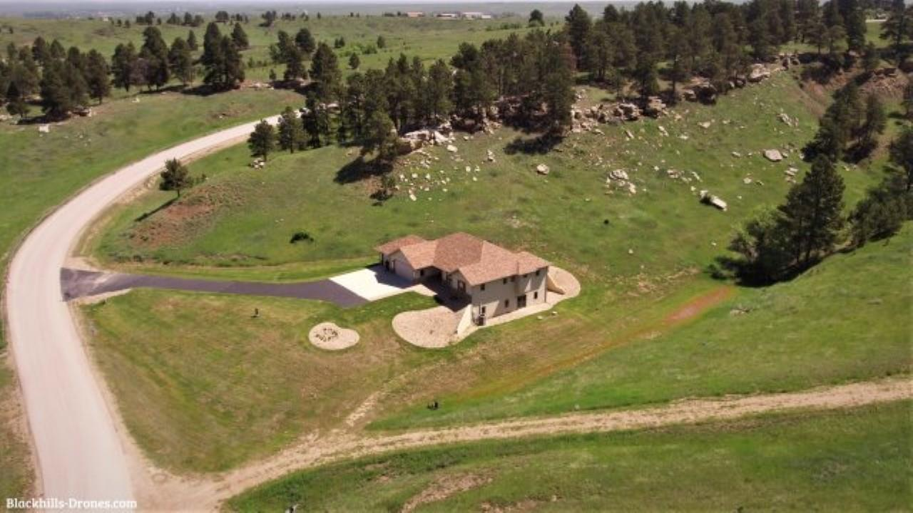 19207 Hat Ranch Dr.
