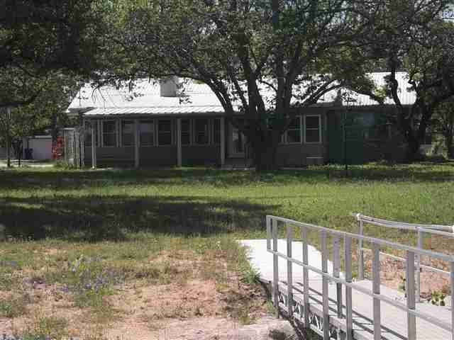 Additional photo for property listing at 114 Lakeview  Buchanan Dam, Texas 78609 United States