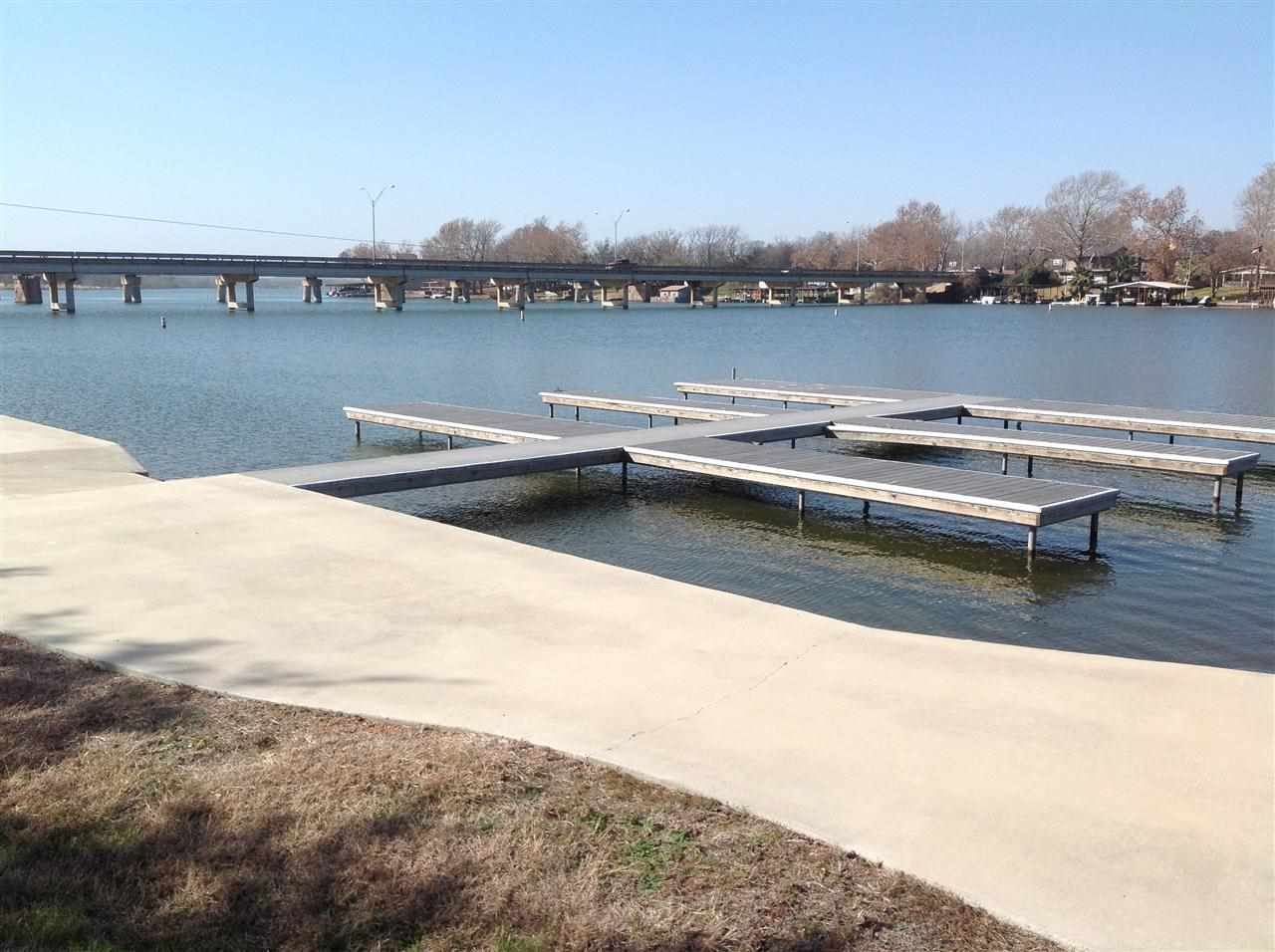 Additional photo for property listing at 27 Colina Cove  Kingsland, Texas 78639 Estados Unidos