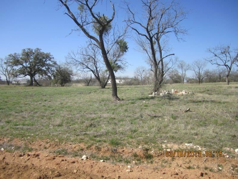 Additional photo for property listing at 933/934 Poncho  Kingsland, Texas 78639 United States