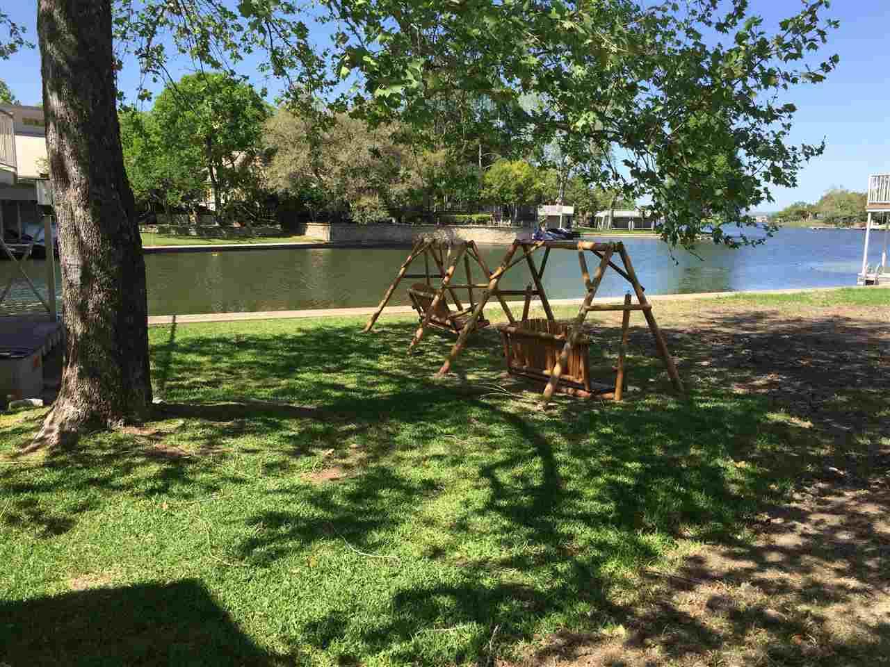 Additional photo for property listing at 21057-A Hi Circle North  Horseshoe Bay, Texas 78657 Estados Unidos