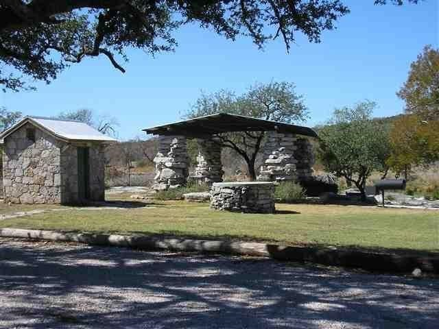 Additional photo for property listing at 104 Hardie Drive  Marble Falls, Texas 78654 United States