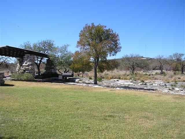 Additional photo for property listing at 104 Hardie Drive  Marble Falls, Texas 78654 Estados Unidos