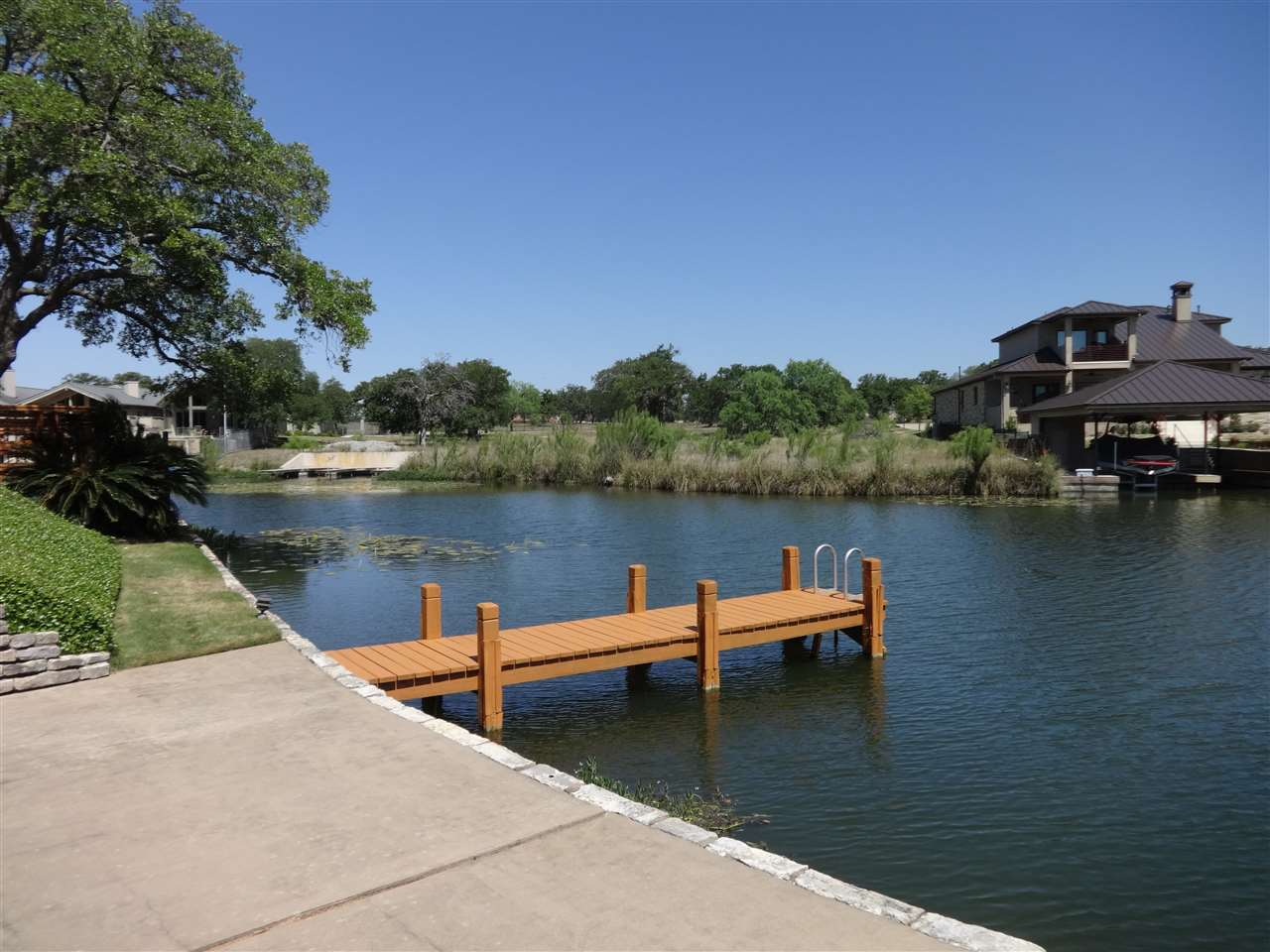 Additional photo for property listing at 2512 Diagonal #2  Horseshoe Bay, Texas 78657 United States