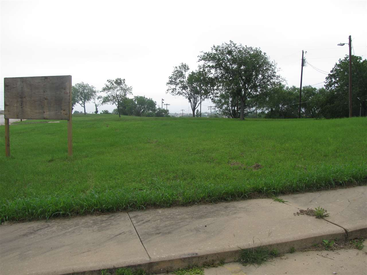 Additional photo for property listing at Ave. N and Broadway  Marble Falls, Texas 78654 United States