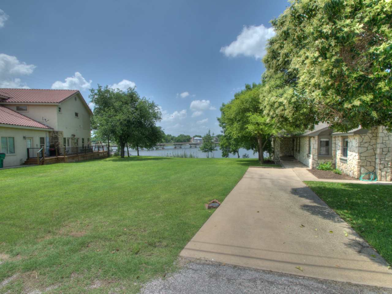 Additional photo for property listing at 12 & 13 Bridgepoint  Kingsland, Texas 78639 Estados Unidos