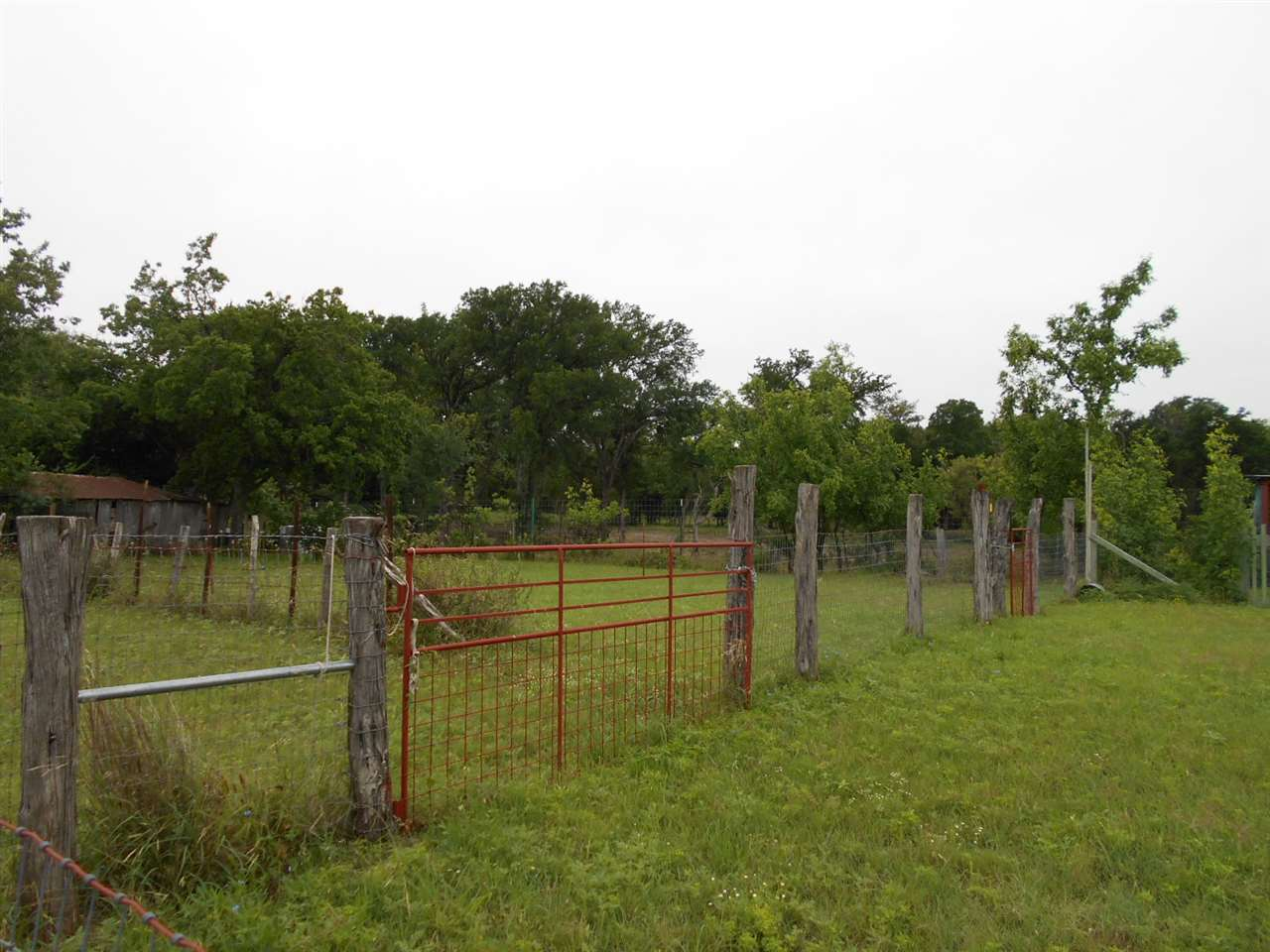 Additional photo for property listing at 100 Millican  Lampasas, Texas 76550 United States