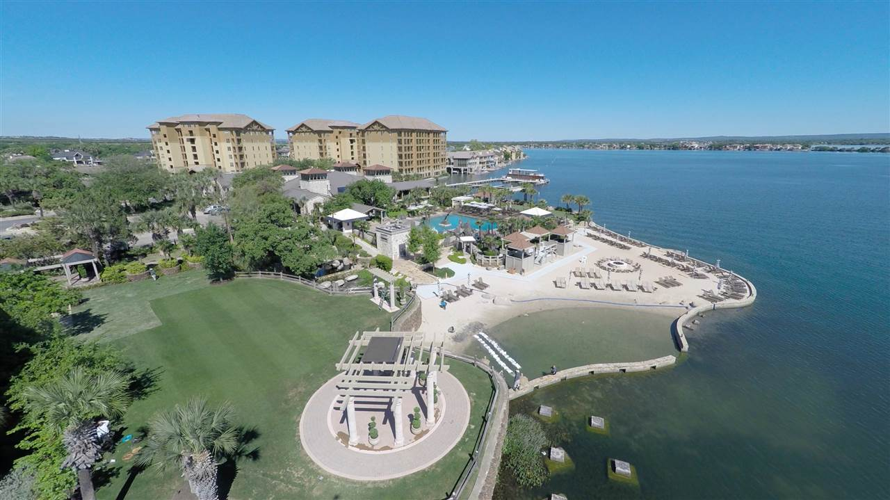 Additional photo for property listing at 1000 The Cape Unit #23  Horseshoe Bay, Texas 78657 Estados Unidos