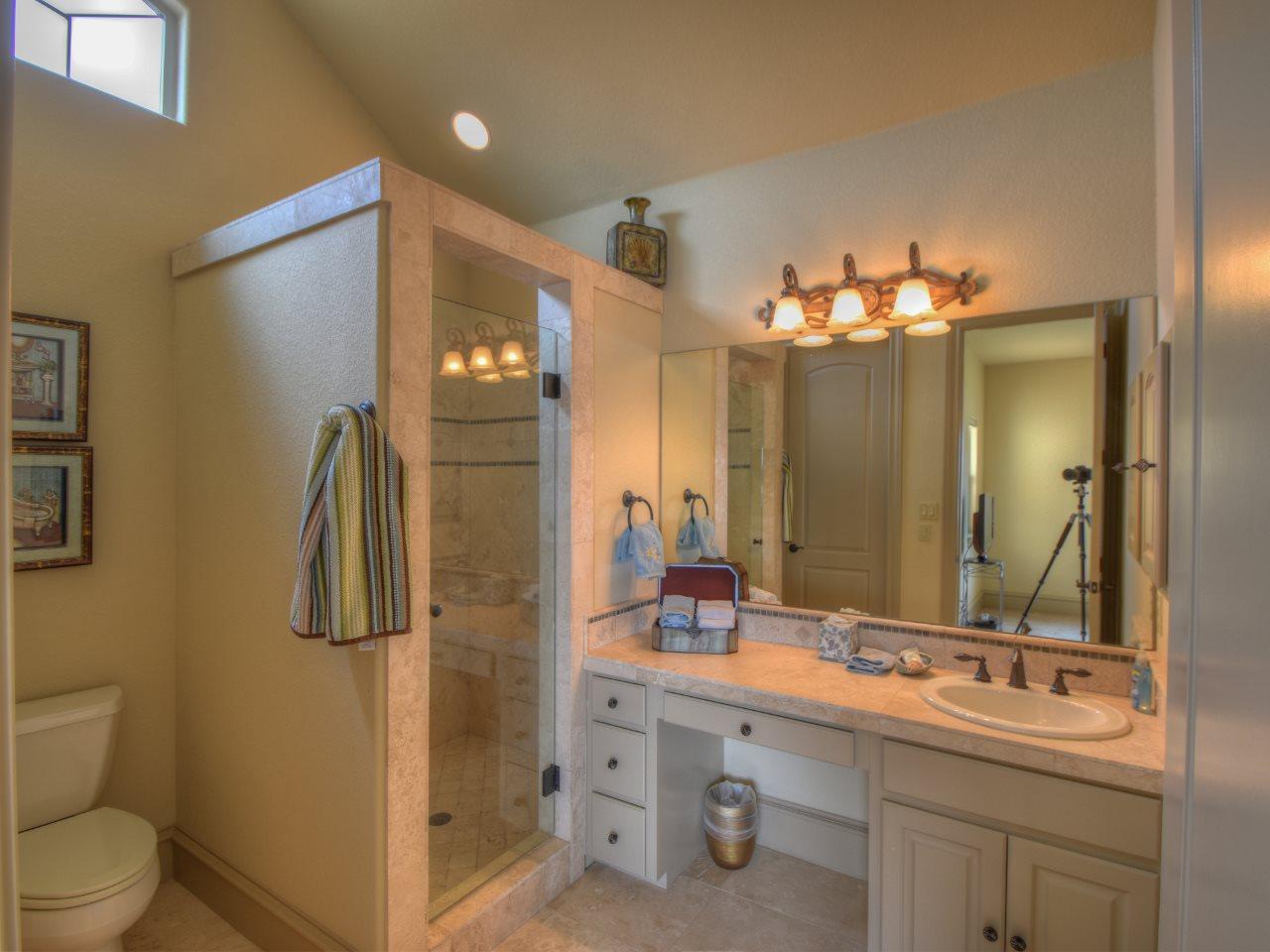 Additional photo for property listing at 2518 Diagonal 2518 Diagonal Horseshoe Bay, Texas 78657 Estados Unidos