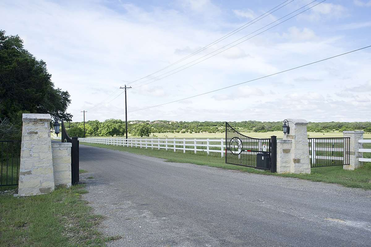 Additional photo for property listing at 105 Special Effort Drive  Burnet, Texas 78611 United States