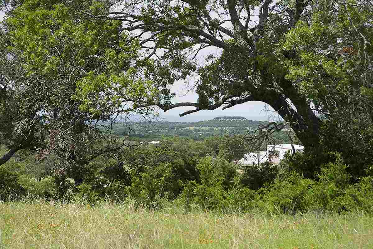 Additional photo for property listing at 300 First Down Dash Drive  Burnet, Texas 78611 United States
