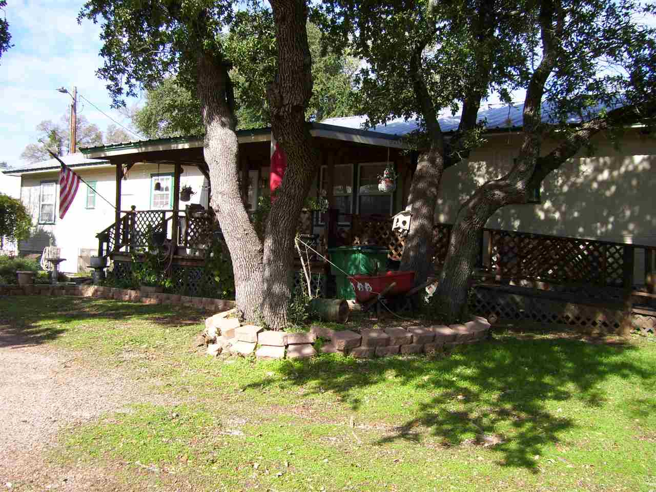 Additional photo for property listing at 300 Deer Springs Loop  Burnet, Texas 78611 Estados Unidos