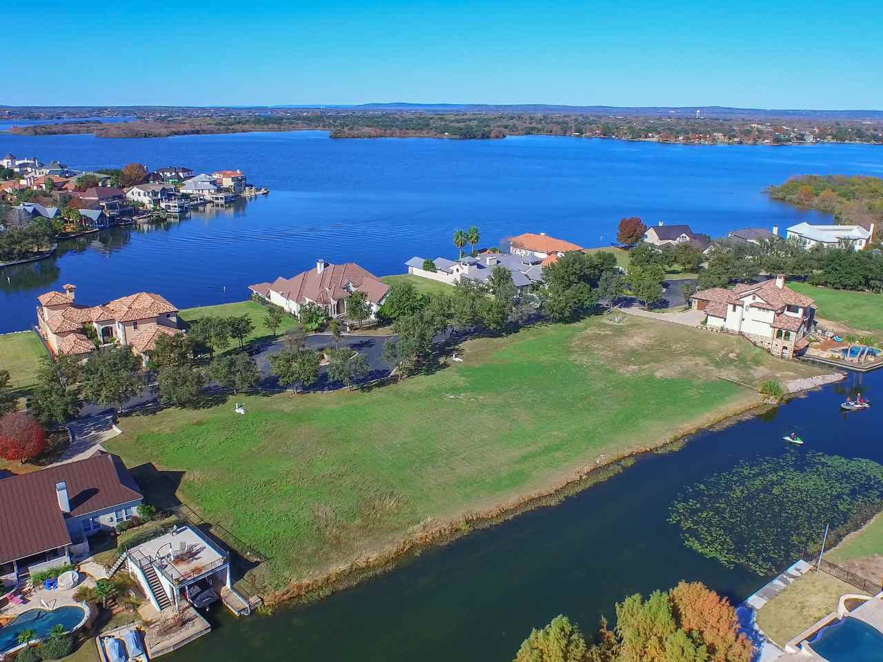 Additional photo for property listing at 25-B Matern Court  Horseshoe Bay, Texas 78657 Estados Unidos