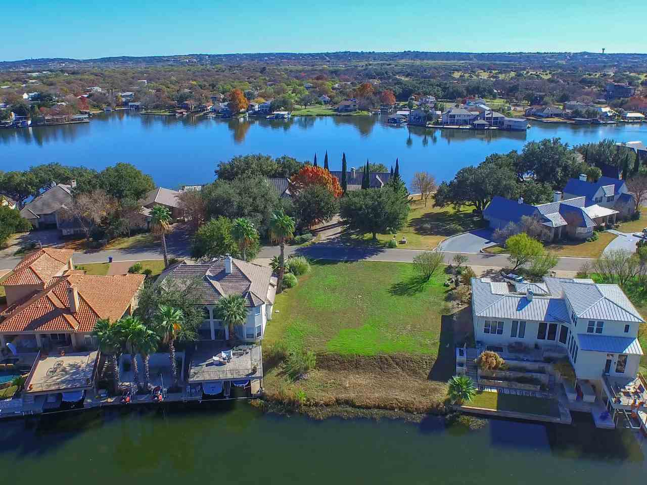 Additional photo for property listing at W29040 Wennmohs Place  Horseshoe Bay, Texas 78657 United States