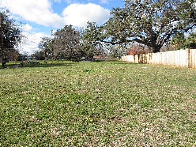 Additional photo for property listing at Lot 146 Oleander Drive Lot 146 Oleander Drive Marble Falls, Texas 78654 Estados Unidos