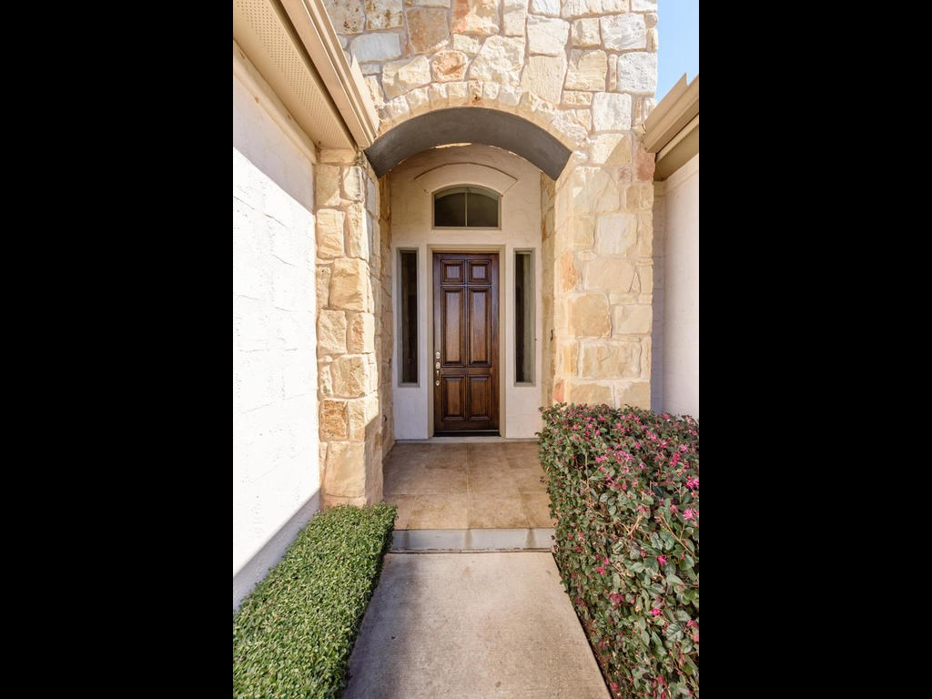 Additional photo for property listing at 93 Lachite  Horseshoe Bay, Texas 78657 Estados Unidos