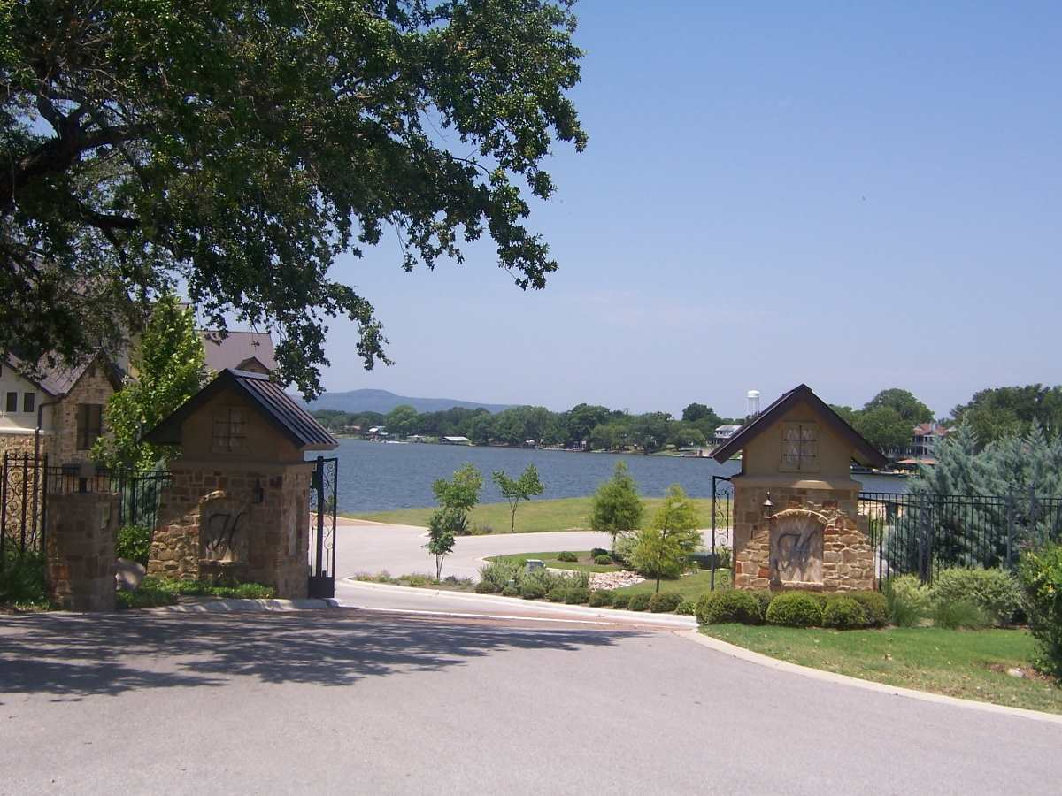 Additional photo for property listing at 106 Adams Landing  Kingsland, Texas 78639 United States
