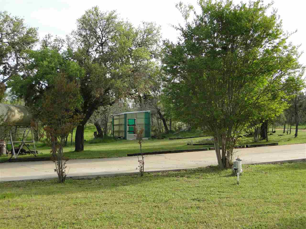 Additional photo for property listing at 104 Contour Drive  Tow, Texas 78672 Estados Unidos